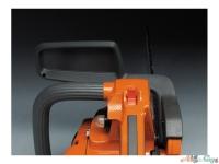 Дизайн щитка для защиты руки обеспечивает лучший обзор пильной шины и ее звездочки, позволяя полностью контролировать рабочий процесс